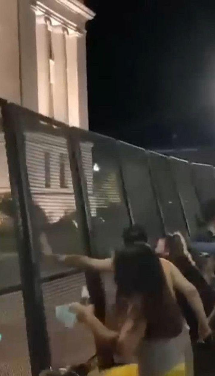 В США набирают обороты протесты против расизма, ночью погибли два человека