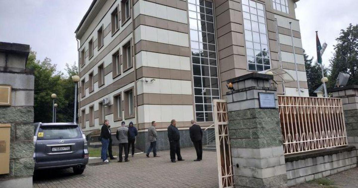 В Беларуси неизвестные с болгарками напали на посольство Ливии: дипломата отбила охрана