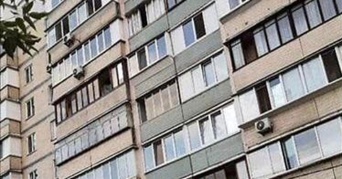 На Троещине в Киеве девушка выбросилась с девятого этажа