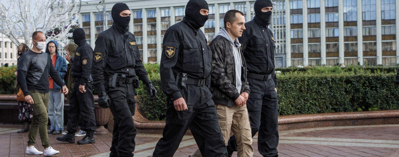 МВС Білорусі повідомило про ще 32 затриманих протестувальників і закликало провести вихідні на природі