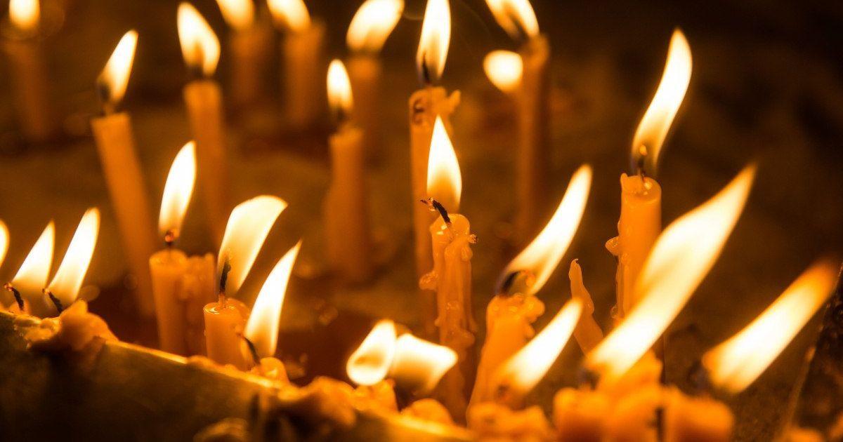 В России подросток закурил от свечи в церкви и нарвался на криминал
