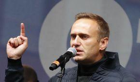 В России силовики задержали девять человек, которые планировали встречать Навального