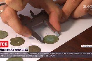 В Житомирской области мужчина копал песок, а нашел серебряные монеты