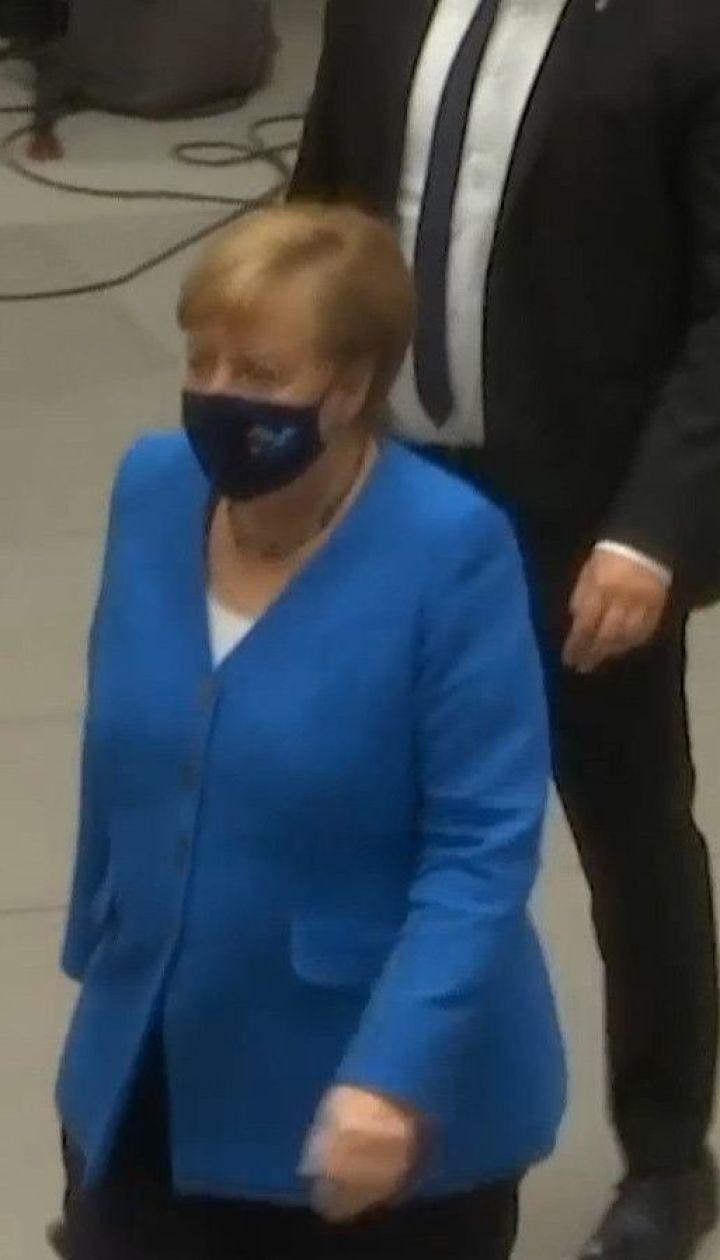 Меркель призвала Путина уважать суверенитет Беларуси и не вводить туда русские войска