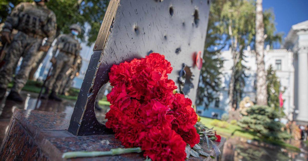 Близько пів тисячі правоохоронців загинуло під час війни на Донбасі - Аваков