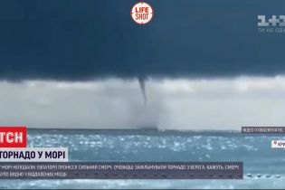У морі поблизу Криму  пронісся великий смерч