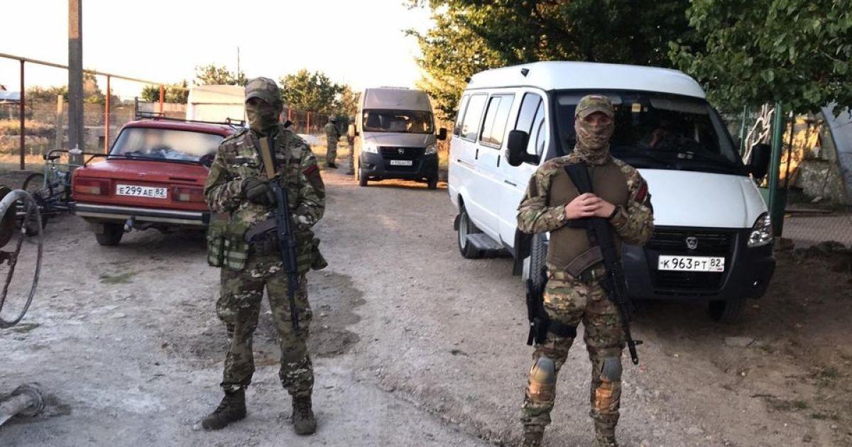 ФСБ прийшла з обшуками до кримських татар на окупованому півострові