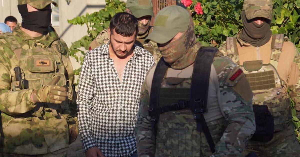 У президента осудили обыски оккупантов у крымских татар