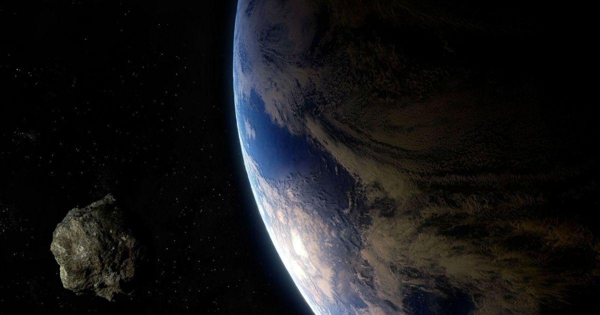 К Земле приближается астероид размером со стадион