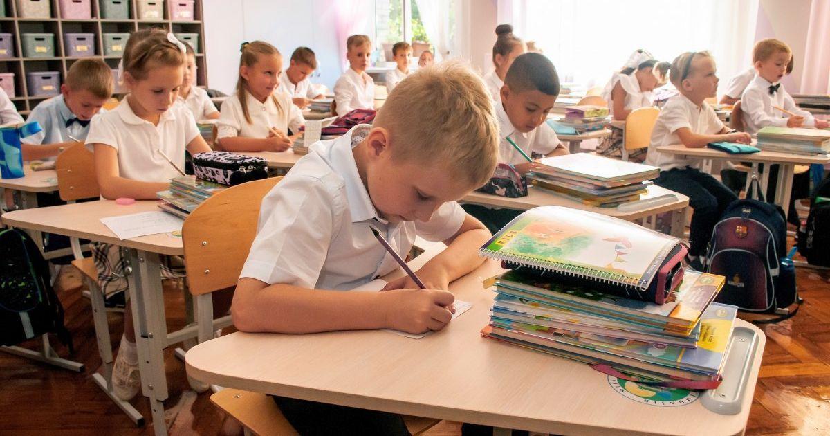 """Київ перейшов у """"помаранчеву"""" зону: Кличко пояснив, як працюватимуть школи найближчим часом"""