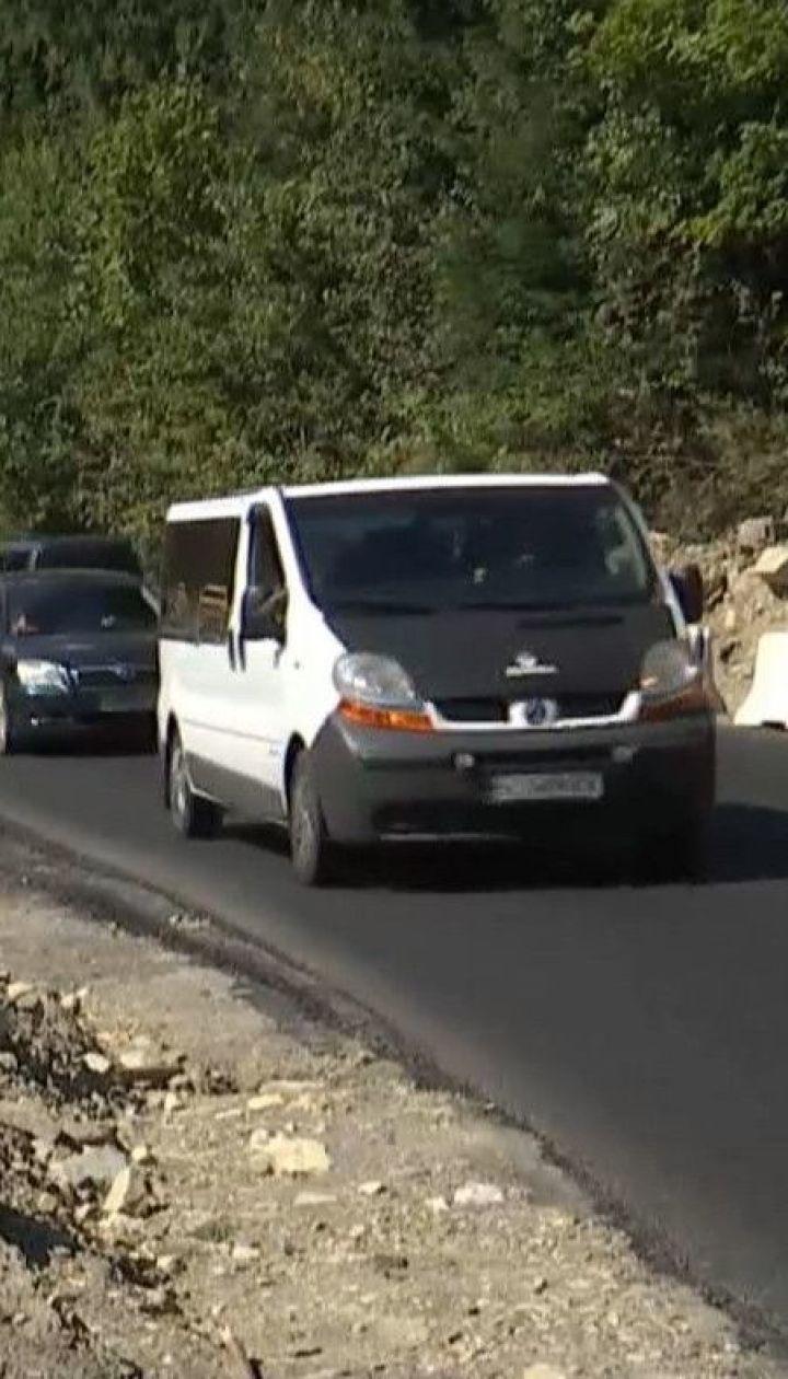 Жители сел Верховинского района радуются завершению ремонта дорог государственного значения