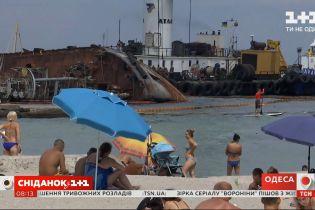 """Когда злополучный танкер """"Делфи"""" покинет одесское побережье — прямое включение"""