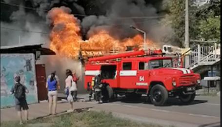 Під Києвом спалахнув ринок: з'явилося відео
