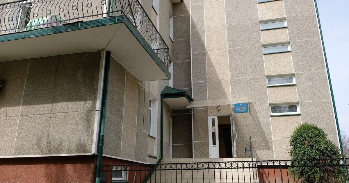 На Буковині через завантаженість стаціонарів для хворих на коронавірус перепрофілювали вже 16-ту лікарню