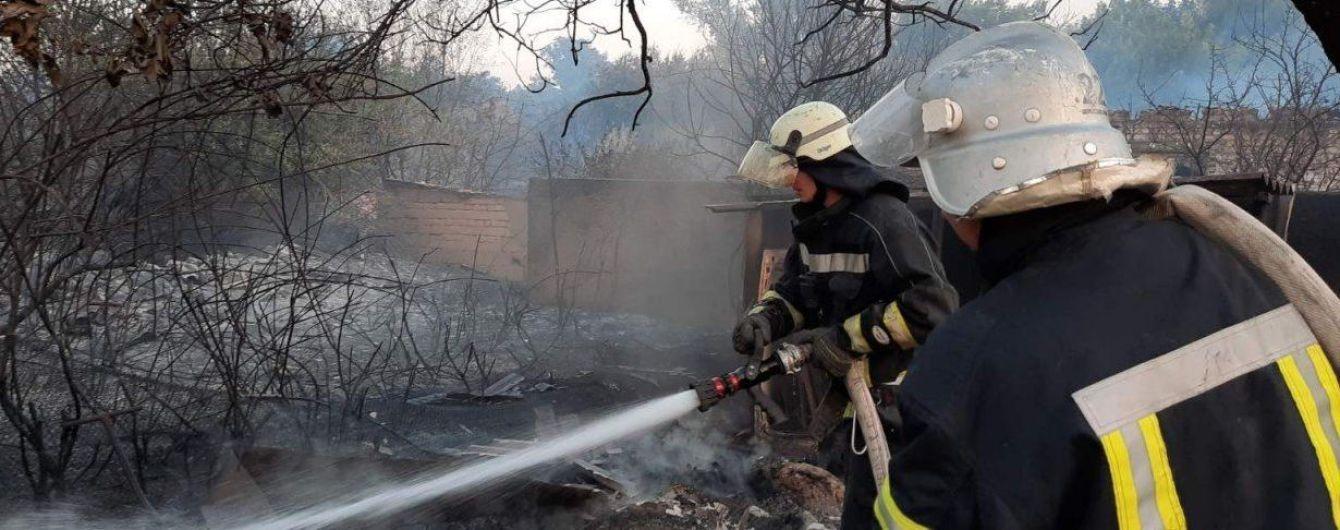 Масштабні пожежі у Луганській області забрали життя однієї людини, вогонь поширився на 945 га