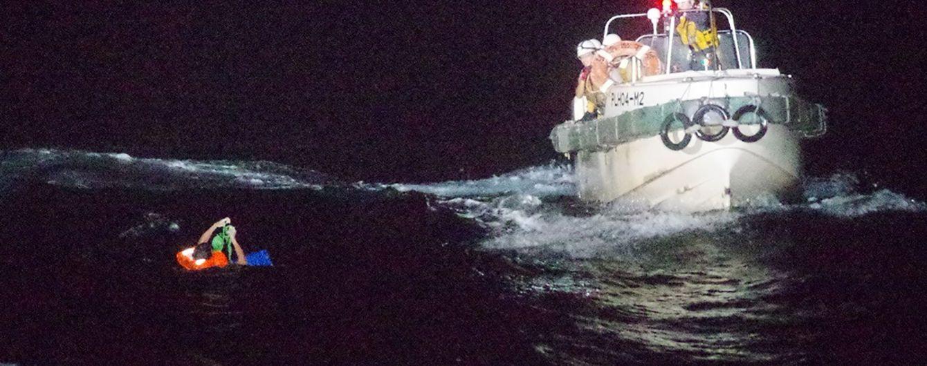 Біля Японії в океані зник корабель з моряками і 5800 коровами: він міг затонути через потужний тайфун