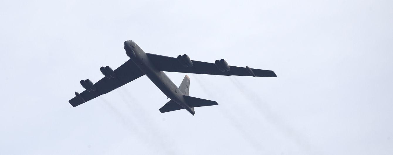 """""""Возможности по сдерживанию России"""": в Пентагоне прокомментировали полет бомбардировщиков США над Украиной"""