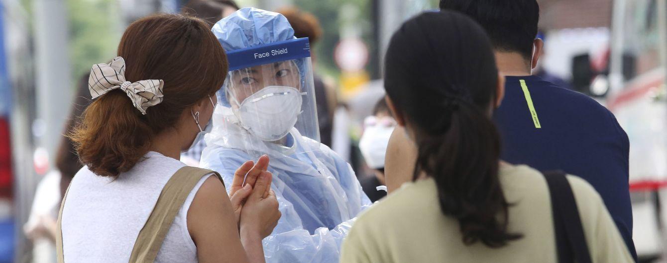 """""""Це як торнадо з довгим хвостом"""": у ВООЗ спрогнозували, коли може бути пік смертності від коронавірусу"""