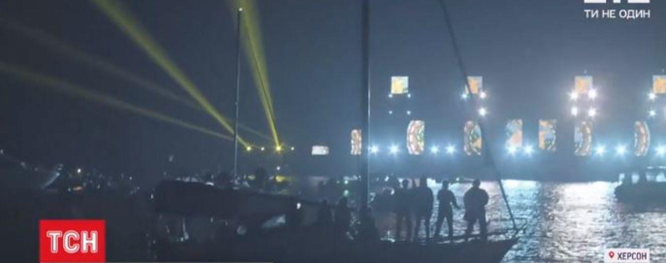 """У Херсоні провели фестиваль """"ГогольFest"""" у незвичному форматі і з погодними перепонами"""
