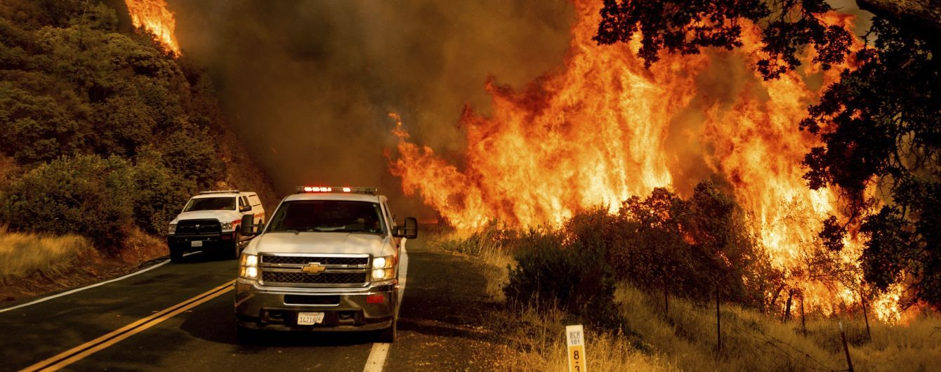 Рекордные пожары в Калифорнии: на юге штата людей готовят к эвакуации
