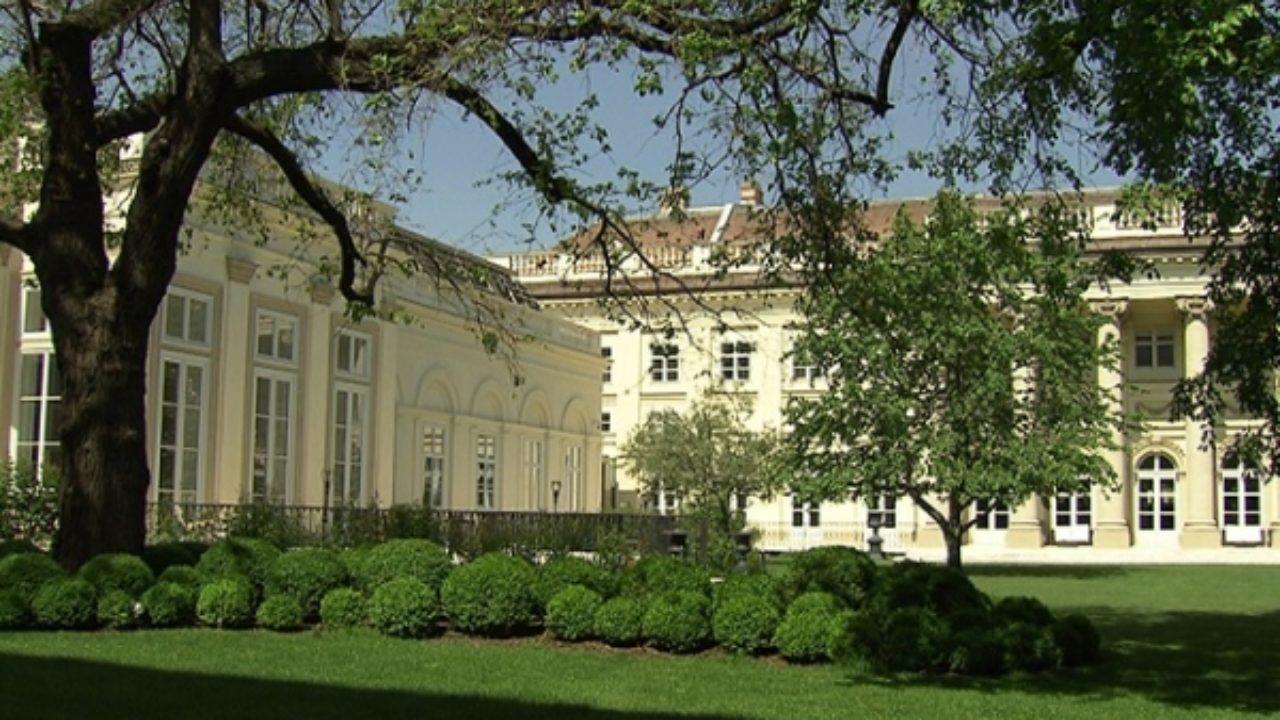 Палац Розумовського у Відні