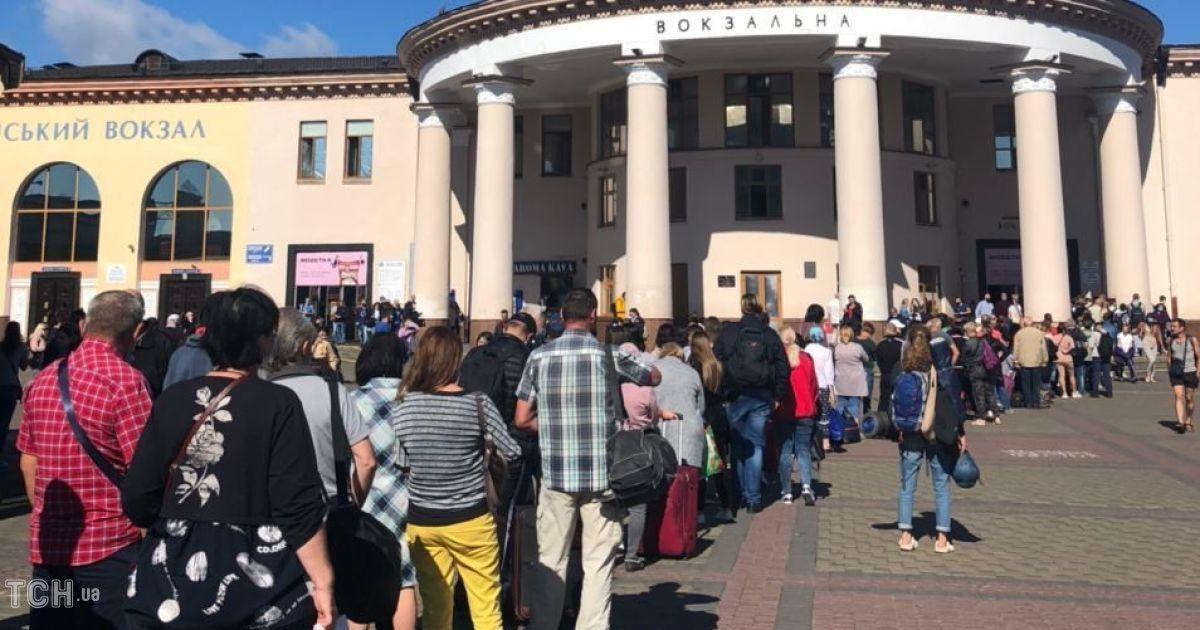 У роботі метро в Києві стався масштабний збій: що трапилося