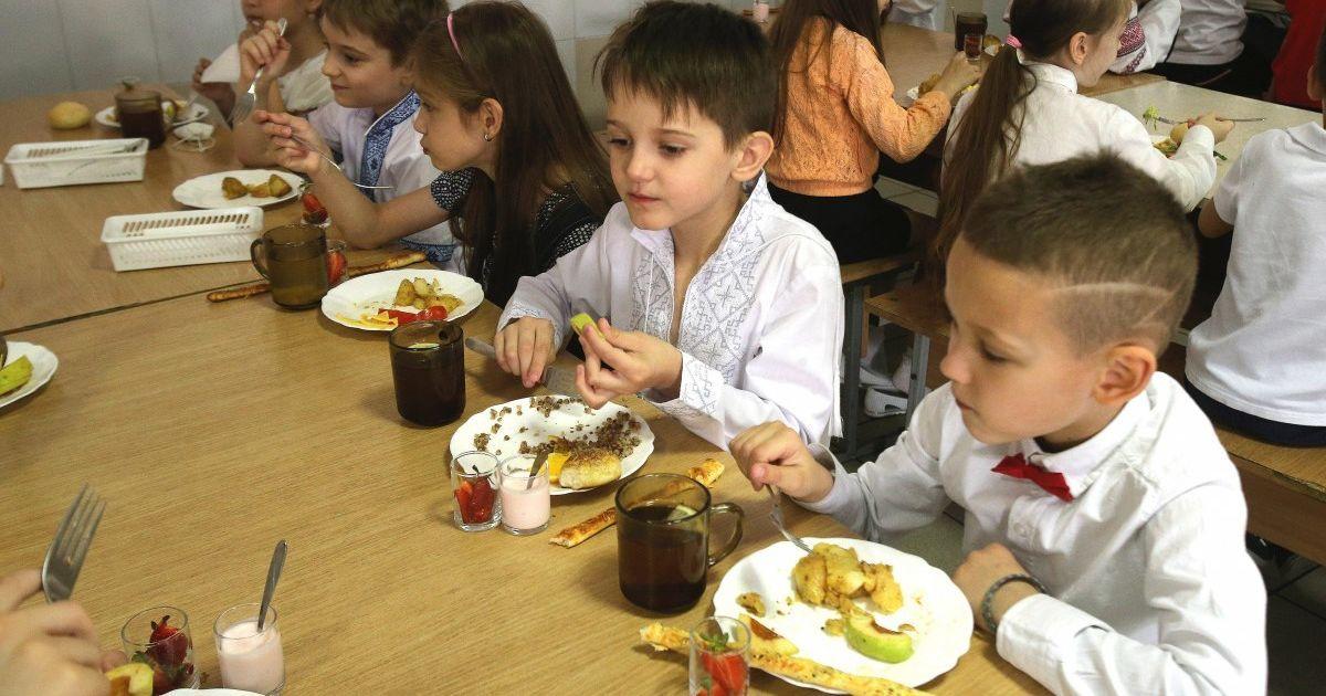 В Минобразования пояснили, при каких условиях должно осуществляться питание в школах во время карантина