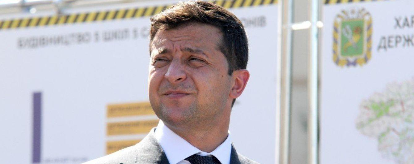 """""""Закон не нарушает"""": Корниенко объяснил, почему Зеленский в регионах посещает агитационные мероприятия """"Слуги народа"""""""