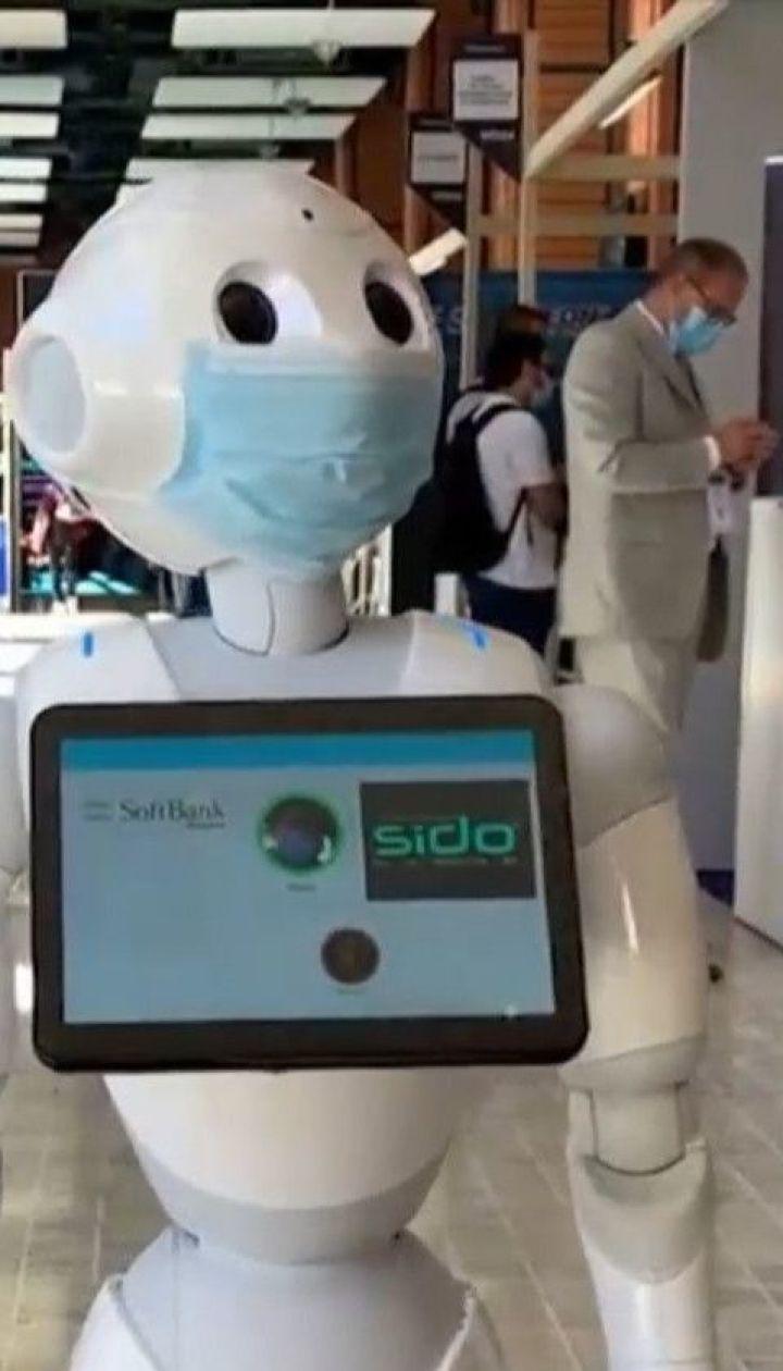 У Франції роботи стежитимуть за тим, чи правильно люди носять маски