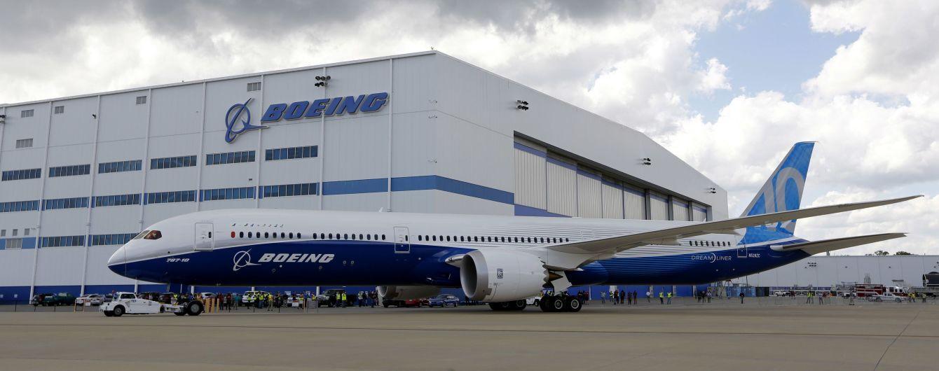 В флагманской модели самолетов Boeing обнаружили опасную неисправность