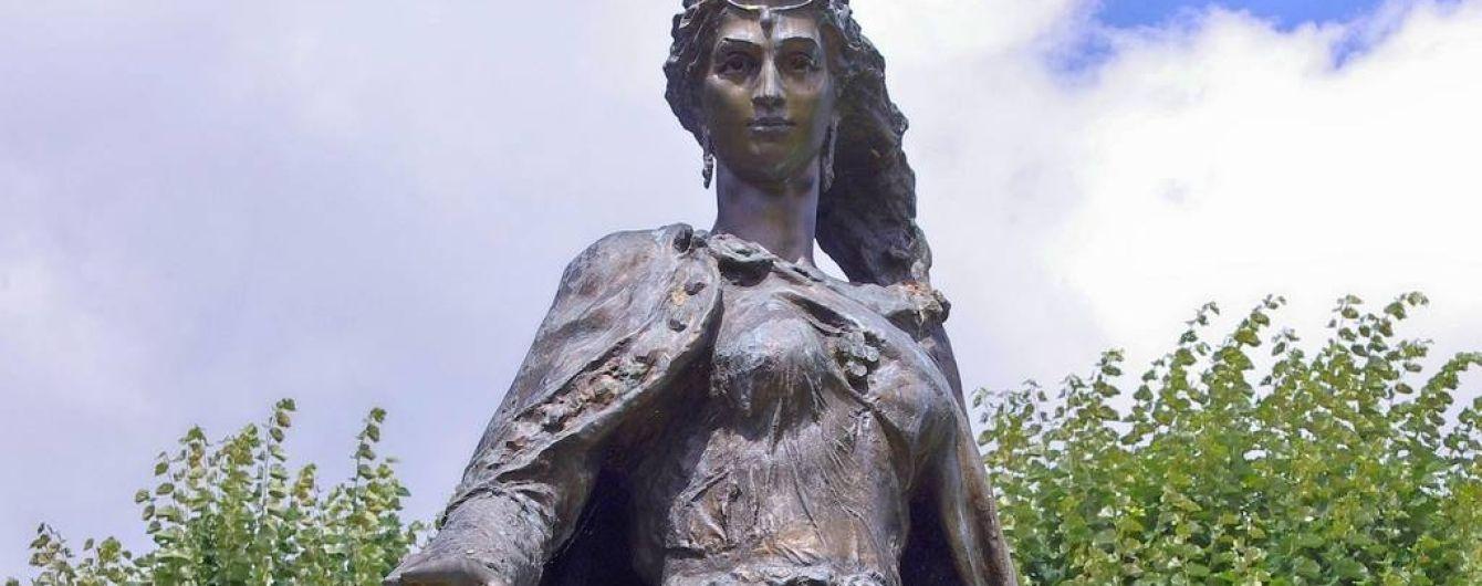"""Анна об'єднує міста: 12 вересня в Луцьку, Києві та Дніпрі одночасно відбудеться """"Anne de Kyiv Fest"""""""