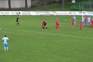 Футбольне ноу-хау: у Польщі воротар вигадав несподіваний спосіб відбиття штрафних
