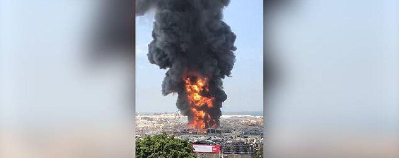 В Бейруте начался крупный пожар в порту, где месяц назад прогремел взрыв