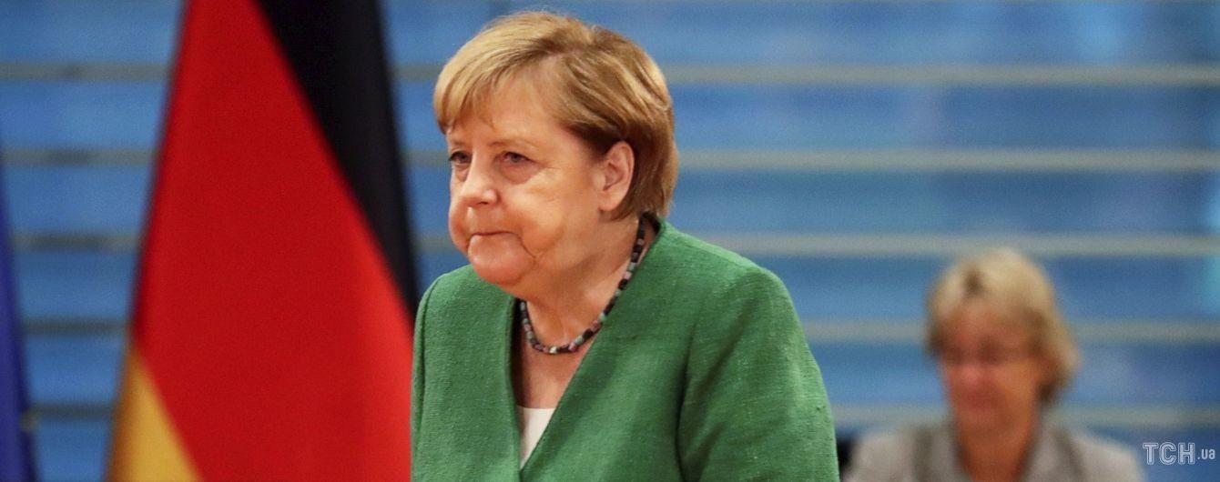 Полюбила огуречный жакет: Ангела Меркель повторила образ