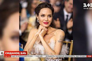 Анджеліна Джолі пожертвувала на лимонад для хлопчиків, які хочуть врятувати Ємен