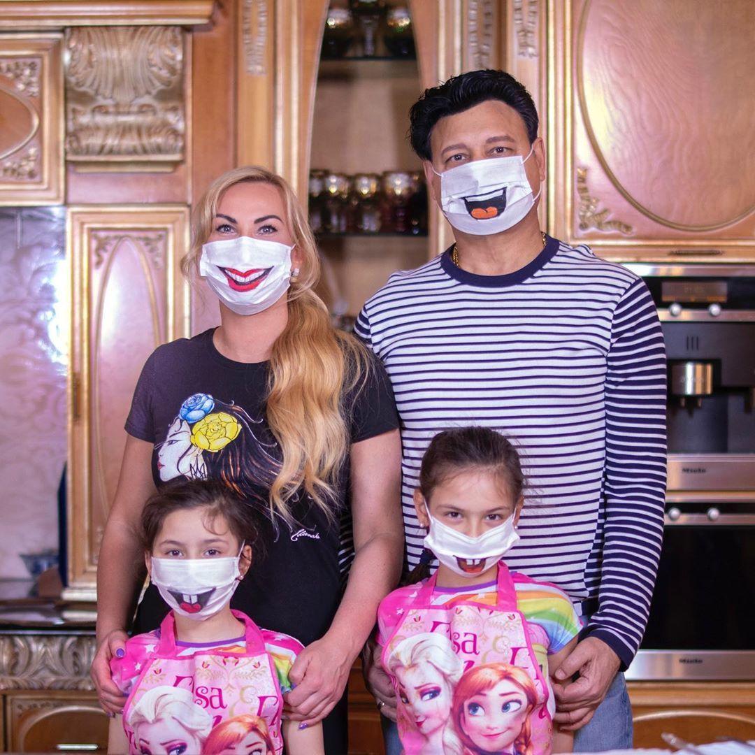 Камалія з чоловіком та дітьми_2