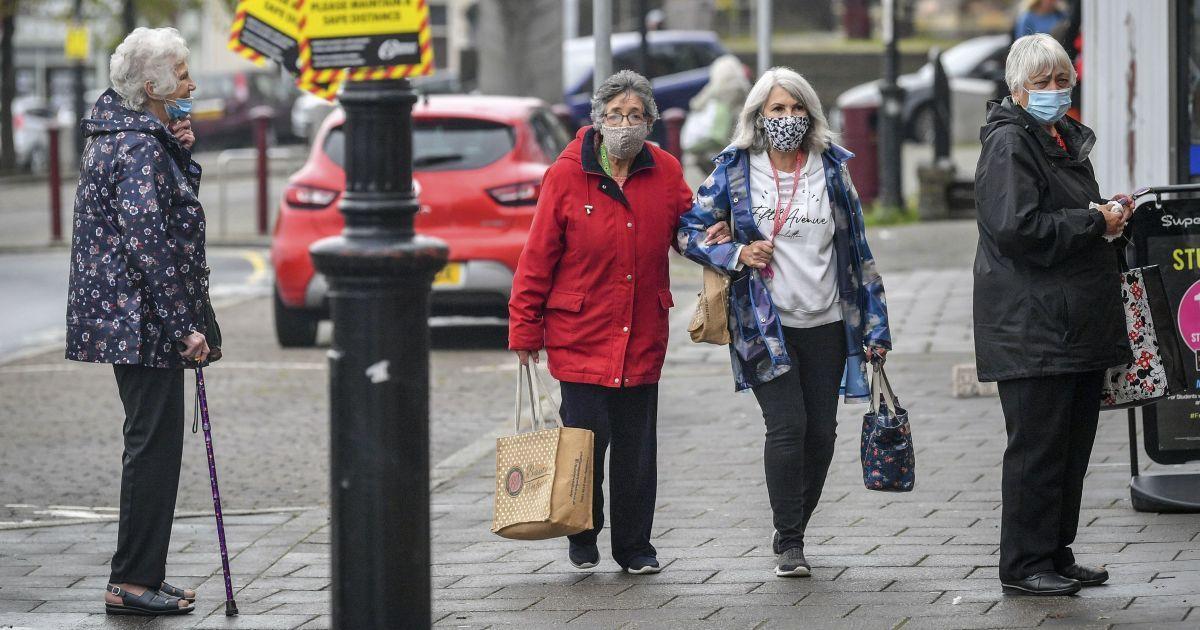 Через різке збільшення кількості хворих на коронавірус за кордоном посилюють карантин