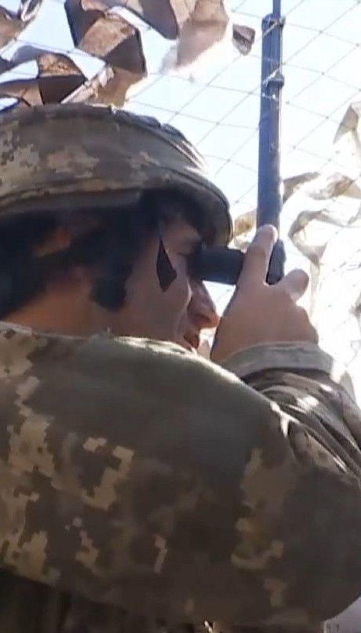 На фронте боевики на глазах в украинских военных строят новые огневые позиции