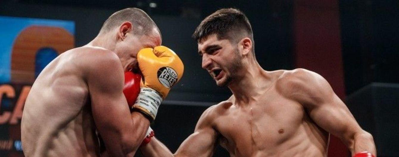 Непобедимый украинец Петросян нокаутировал российского боксера в Екатеринбурге (видео)