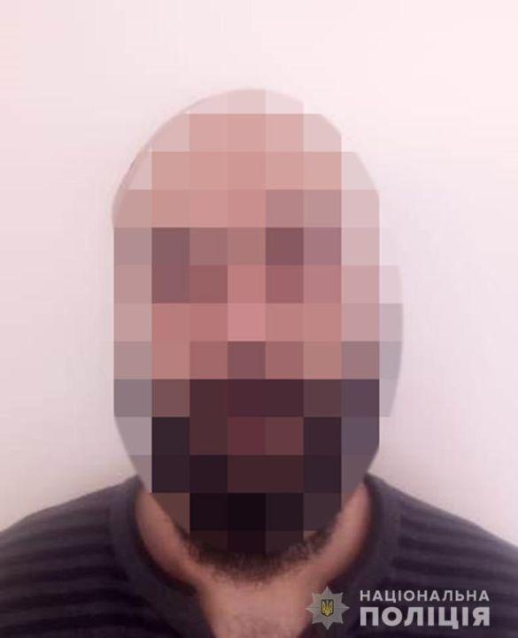 Організатор банди, що вербувала сексрабинь