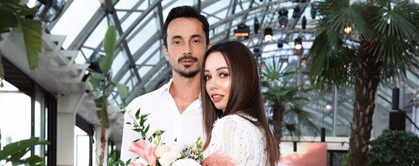 Александр Стоянов трогательно поздравил Екатерину Кухар с первой годовщиной брака