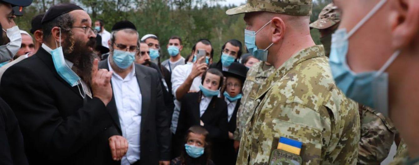 Українсько-білоруський кордон залишається заблокованим через натовп хасидів
