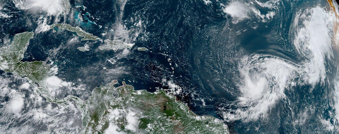 Ураган Саллі загрожує трьом американським штатам