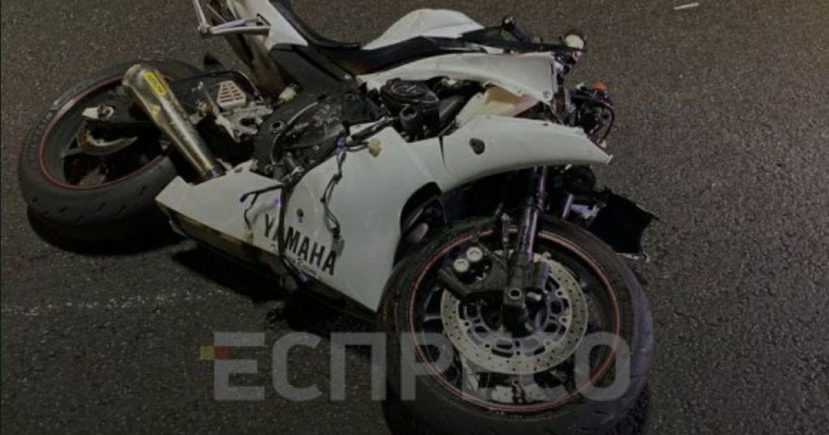 Смертельное ДТП: в Киеве авария унесла на тот свет мотоциклиста и пешехода