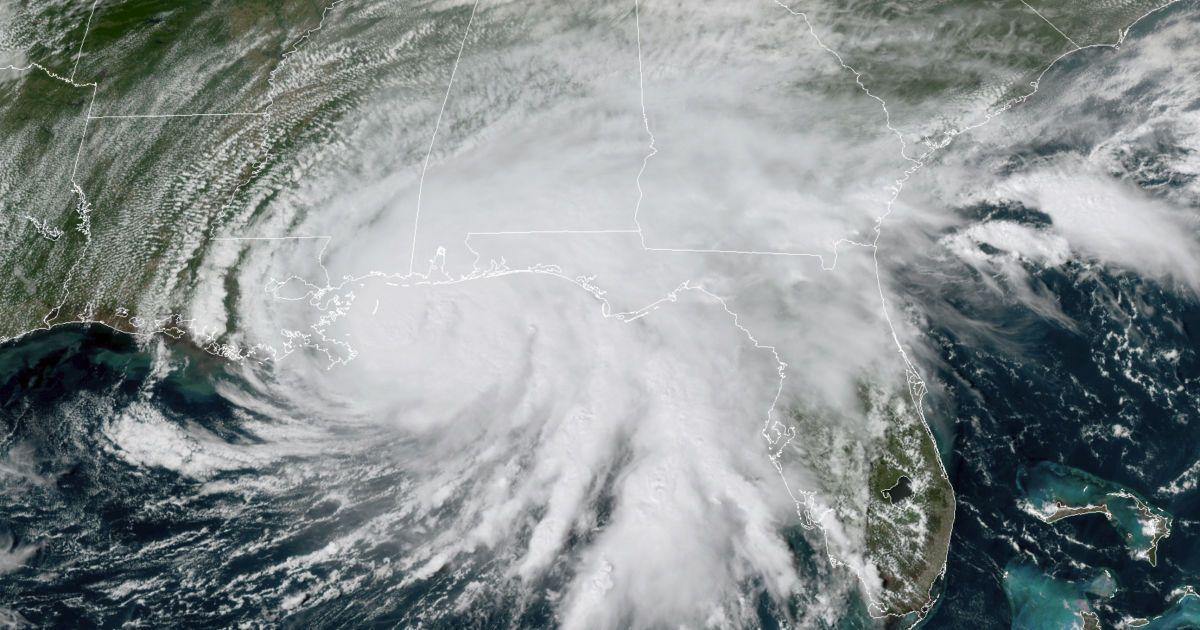 """США за кілька годин накриє ураган """"Саллі"""""""