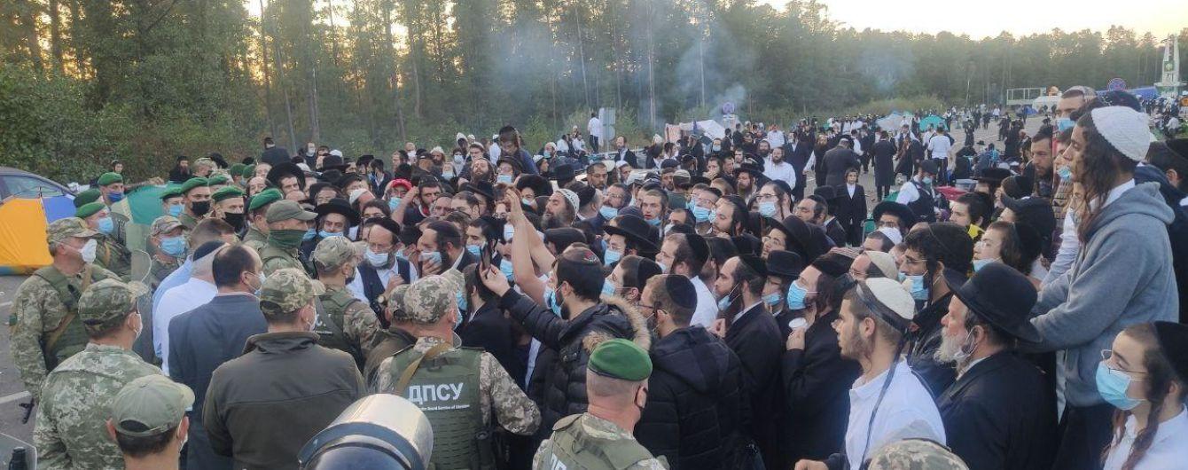 """МЗС Білорусі закликало українську владу """"спуститися на землю"""" і впустити хасидів"""