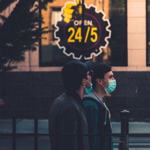 Стрімке зростання кількості хворих на COVID-19 у Дніпрі: Степанов назвав причину (відео)