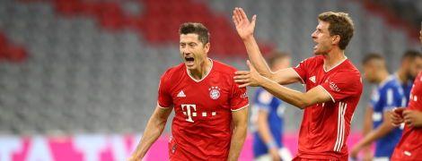 """Жорсткіше, ніж """"Барселону"""": """"Баварія"""" рознесла """"Шальке"""" у стартовому матчі Бундесліги"""