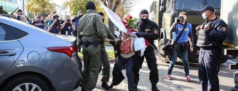 Некоторых волокли по асфальту, а кто-то терял сознание: в Минске состоялся женский марш