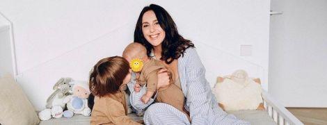 Джамала умилила кадрами из новой фотосессии с маленькими сыновьями